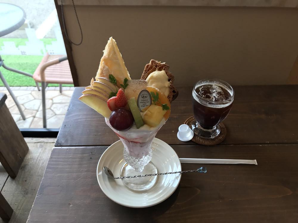 ニュルブルクリンクのフルーツパフェ