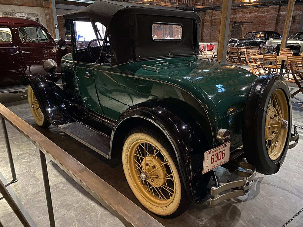 ジーライオンミュージアムに行ってクラシックカーを見てきた その13