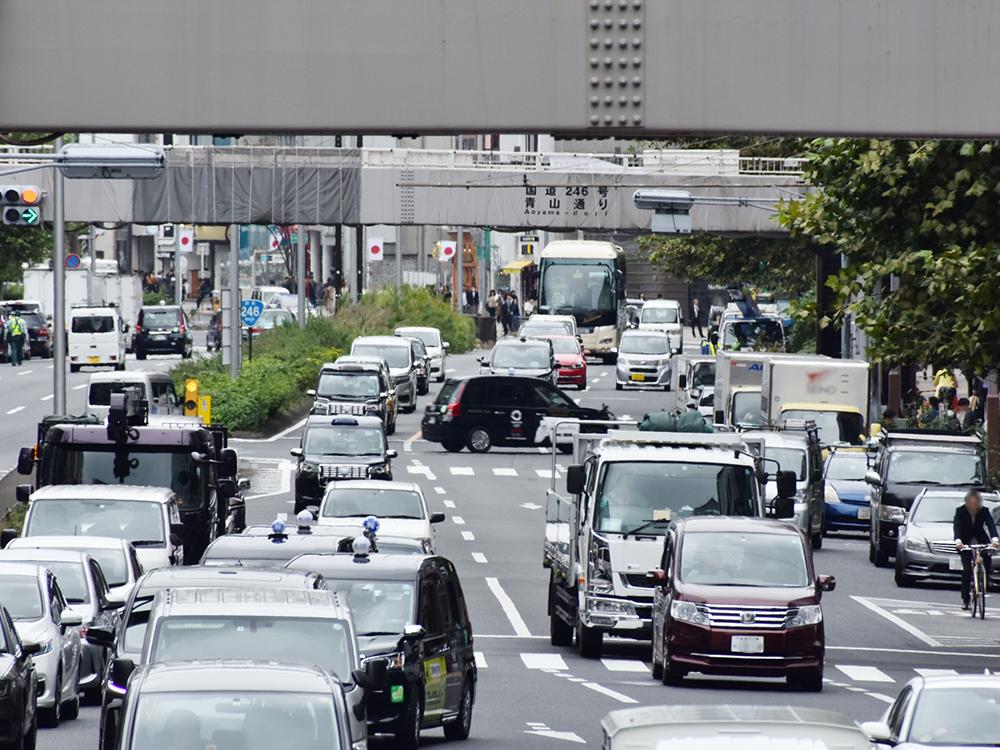 横断歩道がない道路を横切って事故・・・誰が悪い?